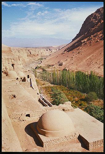 Bezeklik Thousand Buddha Caves :: Turpan, Xinjiang: Bezeklik, Xinjiang, People's Republic of China : Ruins and Restorations; Landscapes.