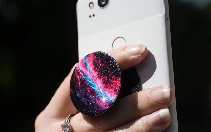 phone grip, image source: menkind