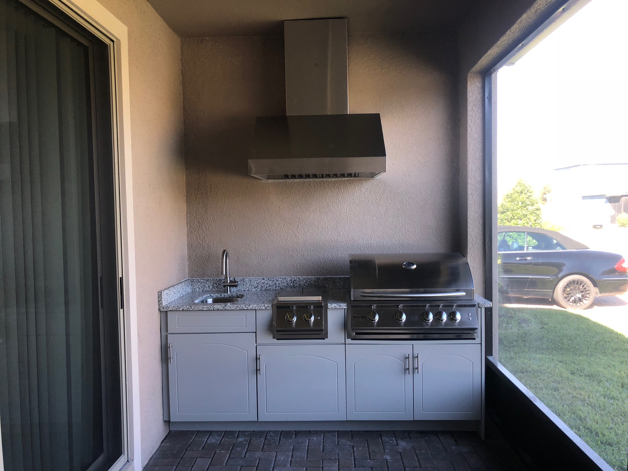 Outdoor Kitchen with Range Hood - Synergy Outdoor Living on Synergy Outdoor Living  id=89382