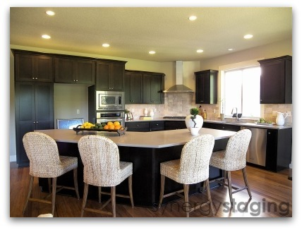 Kitchen staged by Synergy Staging in West Linn