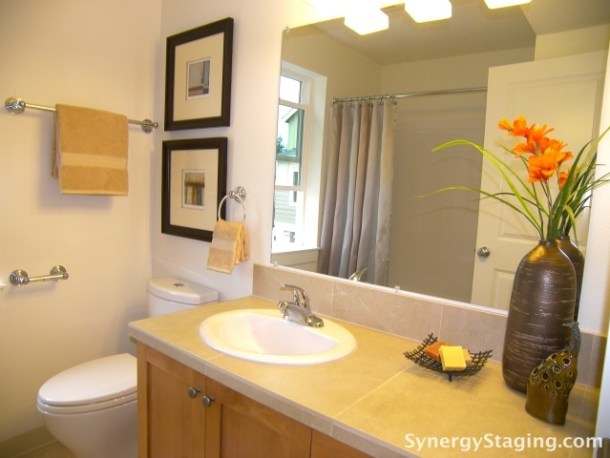 Svaboda Court - Bathroom staged by Synergy Staging