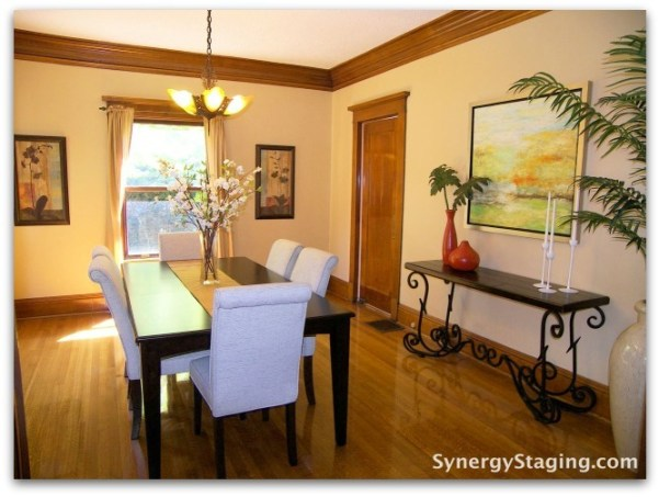 Flanders - Dining Room staged by Synergy Staging in Portland