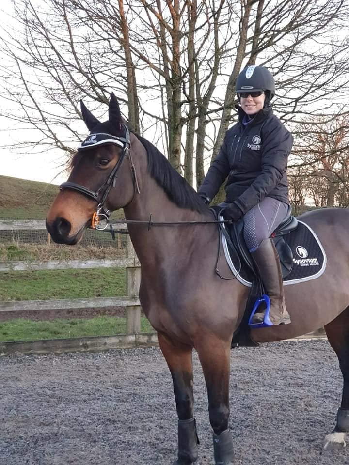 Talking to Showjumper Gemma Dennis about competition after lockdown. - Synovium Horse Health
