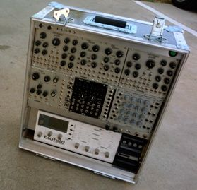 monorocket-modular-synthesizer-case
