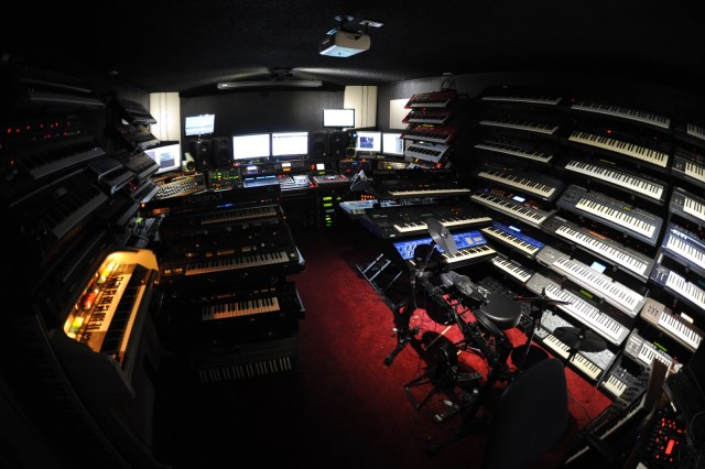 synth-cave-massive-collection