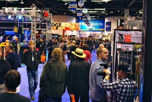 2012-namm-show-people