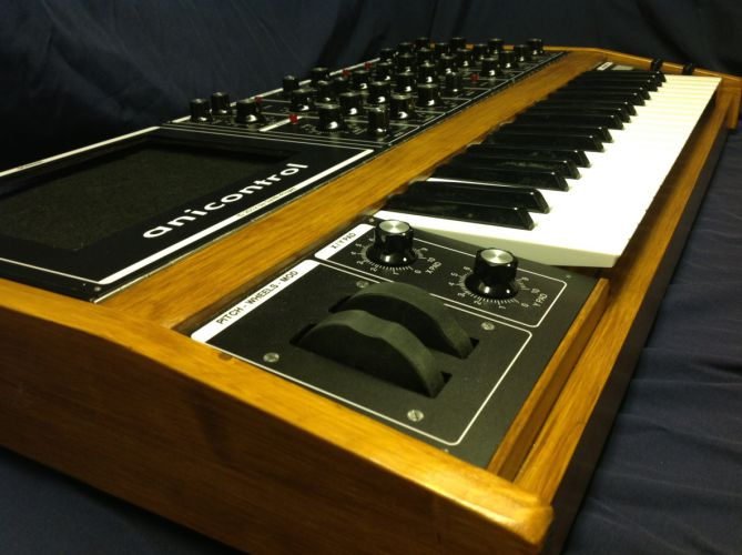 awesome animoog midi controller the anicontrol synthtopia. Black Bedroom Furniture Sets. Home Design Ideas