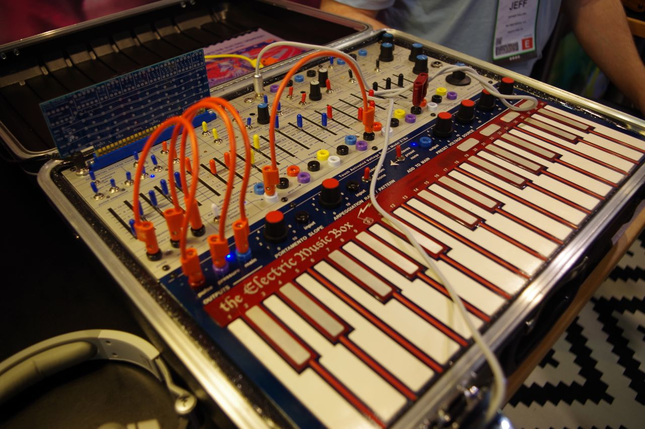 Electronic Musical Instruments : Buchla electric music box returning synthtopia