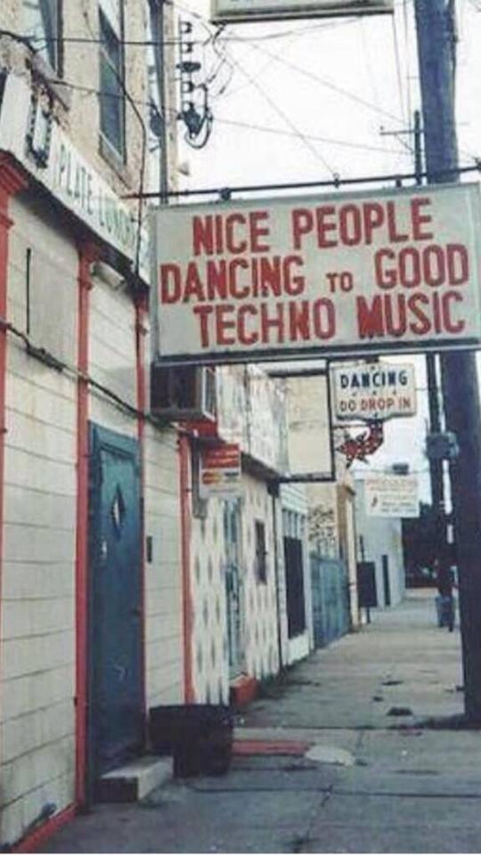 nice-people-dancing-to-techno-music