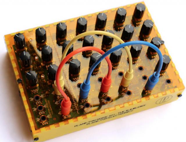 plankton-electronics-bumblebee-noise-box