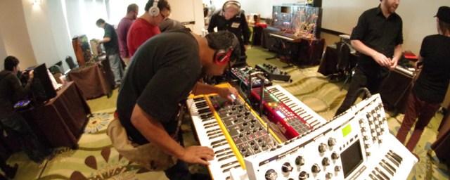 so-many-synths-knobcon-2013