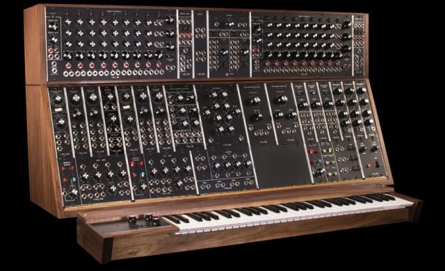 Moog Modular Synthesizer : moog brings back the classic moog modular synthesizer synthtopia ~ Vivirlamusica.com Haus und Dekorationen