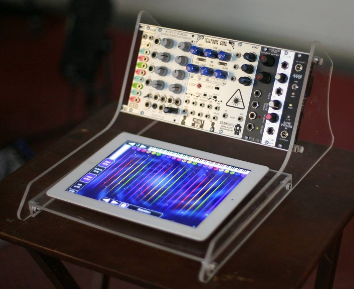 4 fantastic custom modular cases synthtopia. Black Bedroom Furniture Sets. Home Design Ideas