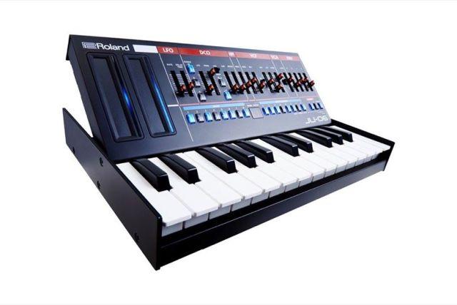Roland JU-06 Synthesizer Module
