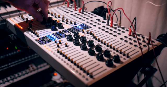 What's The Best New Hardware Sequencer Of 2015? – Synthtopia