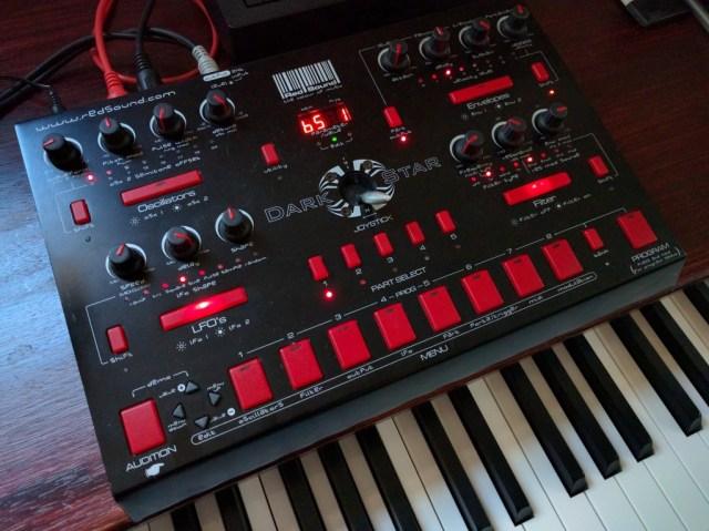 red-sound-dark-star-synth