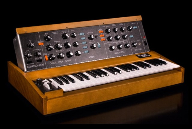 moog-minimoog-model-d-reissue
