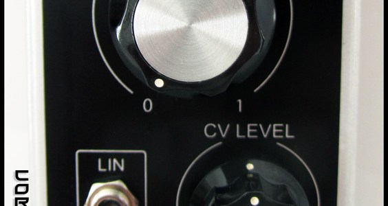 corsynth-dual-vca-close-up