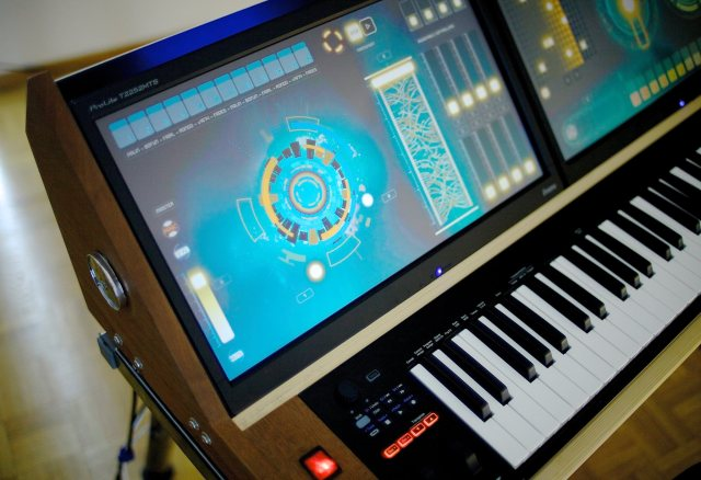 genesis-1-synth-close-up