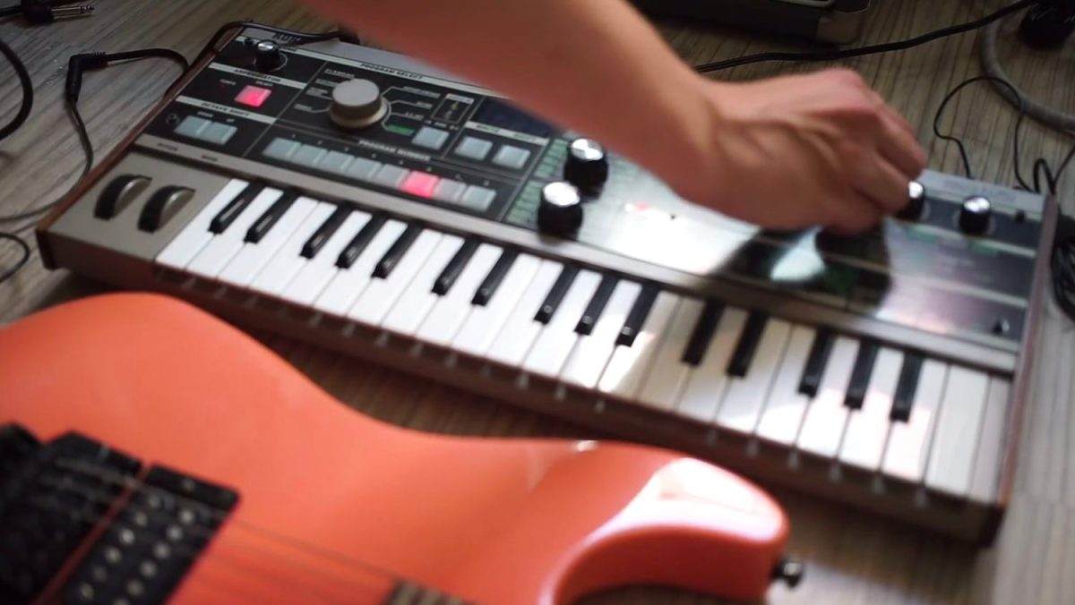 how to use the korg microkorg as a guitar effects processor synthtopia. Black Bedroom Furniture Sets. Home Design Ideas