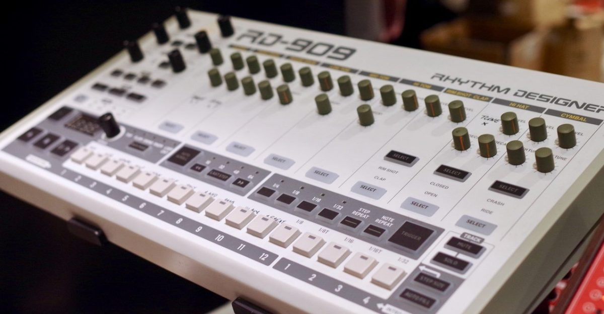 behringer rd 909 drum machine first look roland tr 909 clone synthtopia. Black Bedroom Furniture Sets. Home Design Ideas
