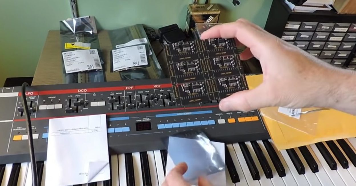 Roland Juno-106 Synthesizer Chip Replacements Demo – Synthtopia