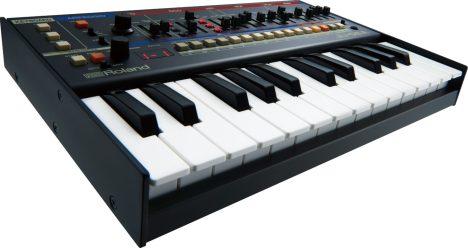 Roland-JU06A-tilt-back-3-flat