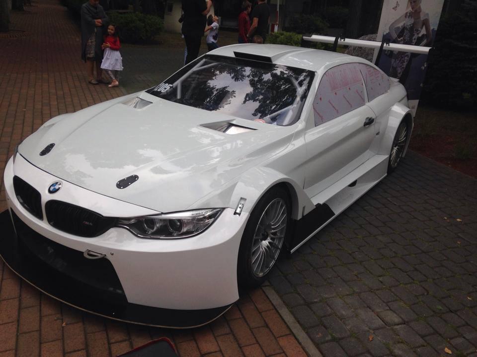 Syntix JR Motorsport BMW M4 Silhouette bodywork - Syntix Innovative Lubricants