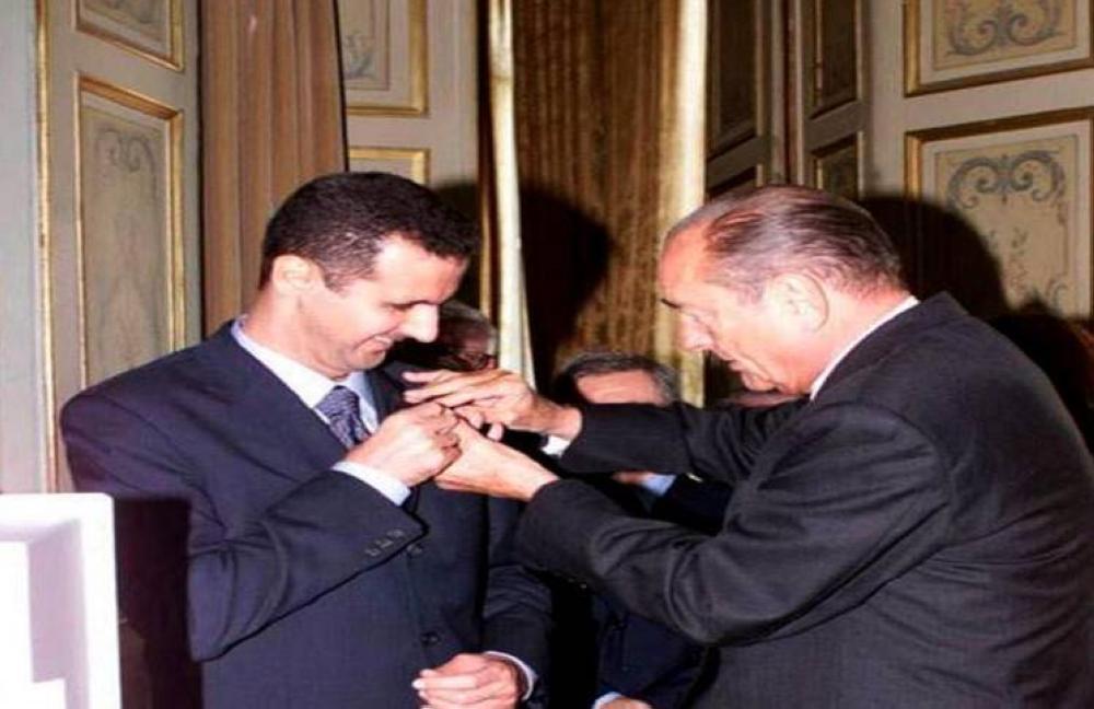فرنسا تبدأ بسحب وسام الشرف من الأسد