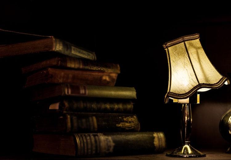 لماذا لا يشعل جاك أضواء المكتبة؟