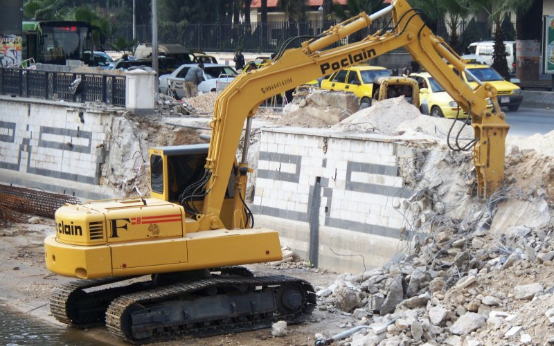 Syria-Intelligence-Poclain-excavator-in-Syria