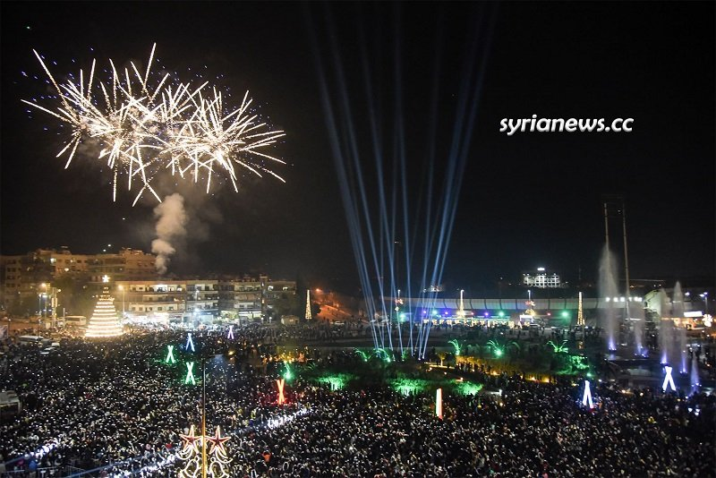 Syrians celebrate Christmas in Damascus Abbasid Square