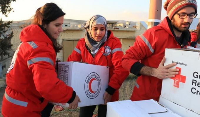 sarc-volunteers-preparing-aid-deliveries