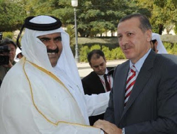 Emir of Qatar and Turkish Erdogan stealing Syrian machinery