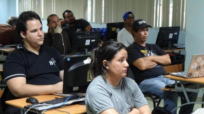 Miembros de la Comunidad de SWL en CUBA