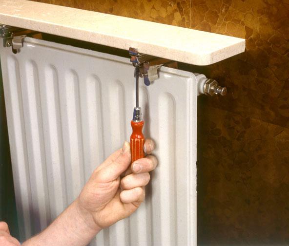 une tablette sur un radiateur