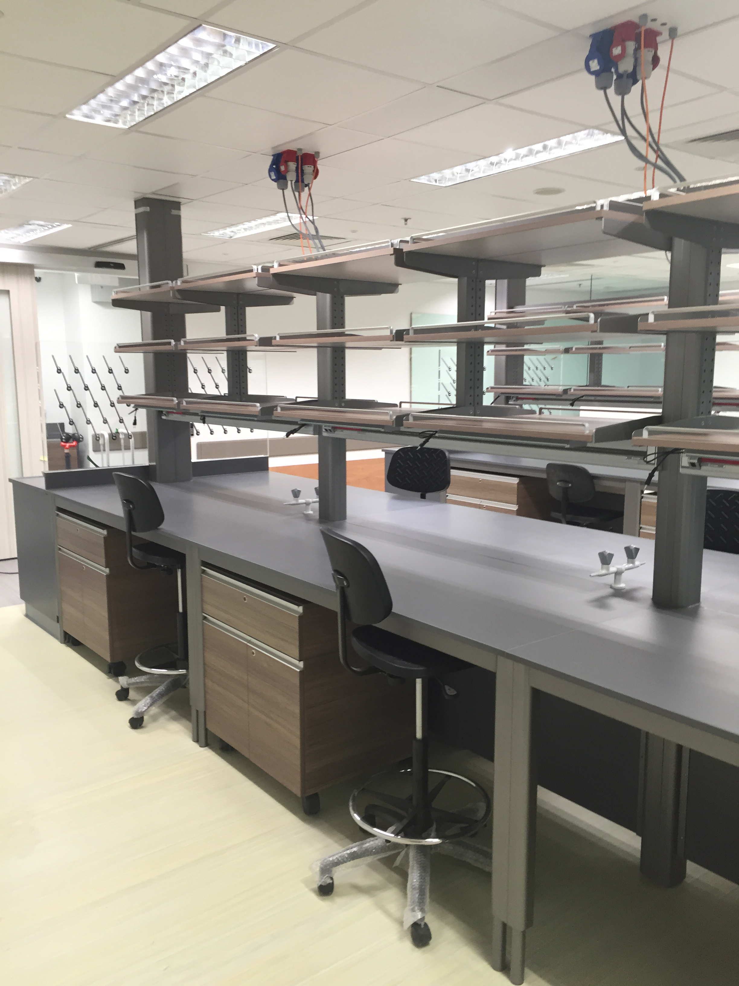 Hybrid Lab Bench 2 Laboratory And Healthcare Furniture