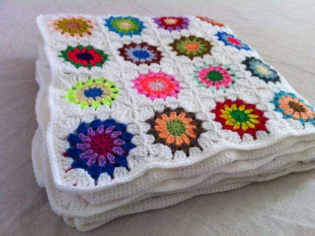 plaid crochet alm