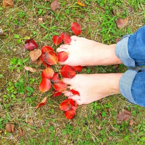 pieds dans l'automne