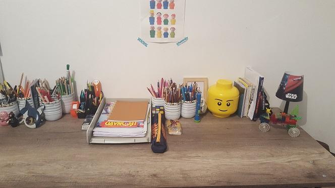 bureau pour deux enfants