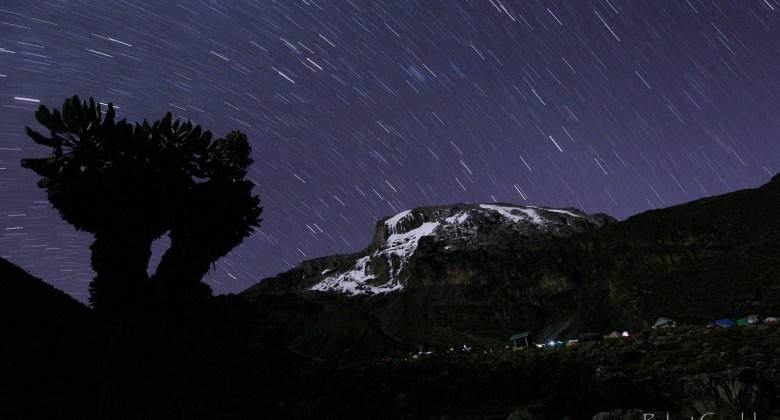 Nocne niebo nad Kilimandżaro
