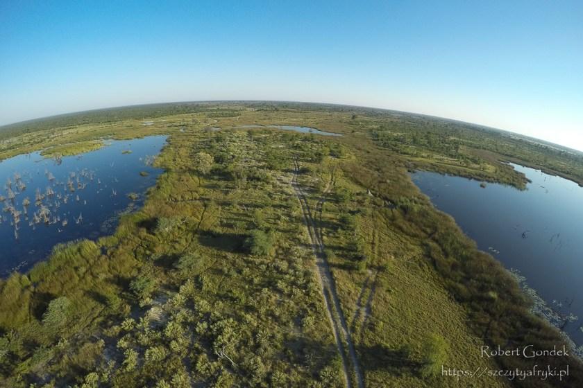 Lot helikopterem nad Deltą Okawango - rozlewiska Okawango