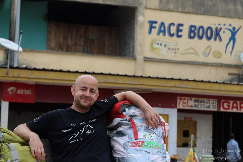 Facebook w Gabonie