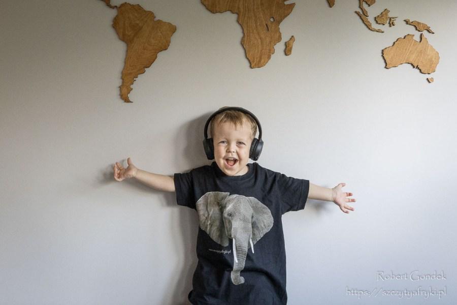 Czarna koszulka ze słoniem dla chłopca