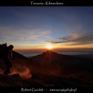 Zdjęcie wschodu słońca na Kilimandżaro