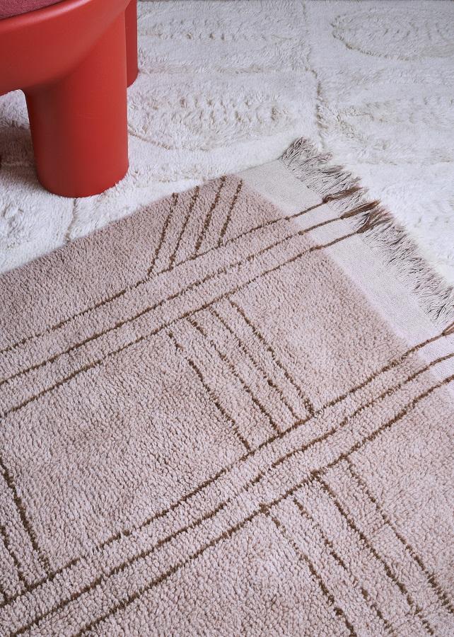 Afrykańska kolekcja wełnianych dywanów - model Shuka Dusty Pink - piękna podłoga
