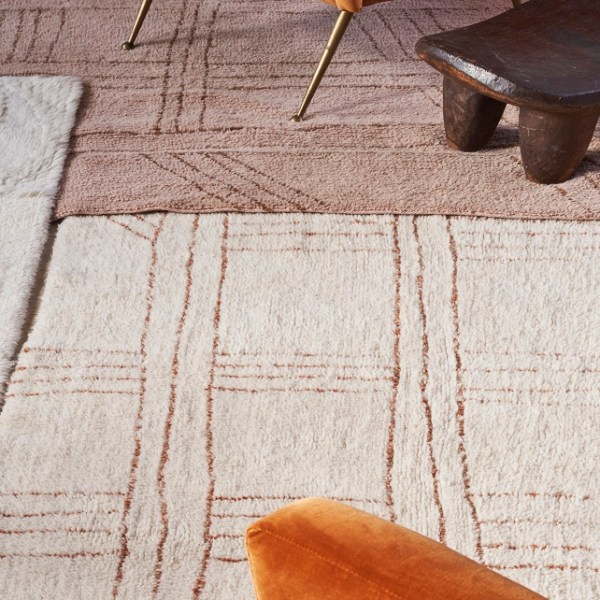 Shuka Seashell wełniany dywan z afrykańskiej kolekcji - ciekawe wnętrze
