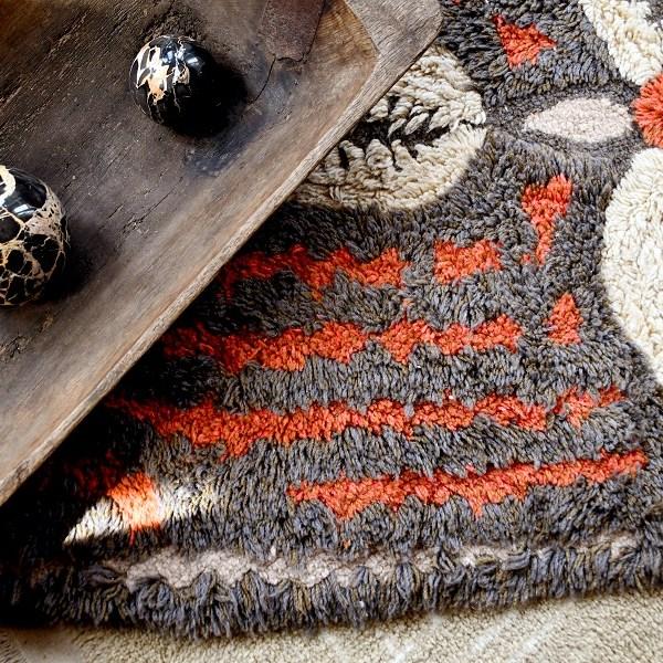 Wełniany dywan Cowrie Bracelet - afrykańska kolekcja - inspiracja Afryką