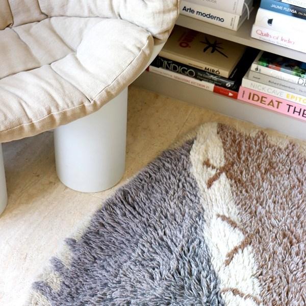 Wełniany dywan z motywem afrykańskiej tarczy - afrykańskie wyposażenie wnętrz