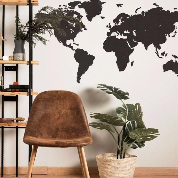 Drewniana mapa świata na ścianę w kolorze palisander